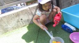 水遊び・夏の製作(にじいろのへや)